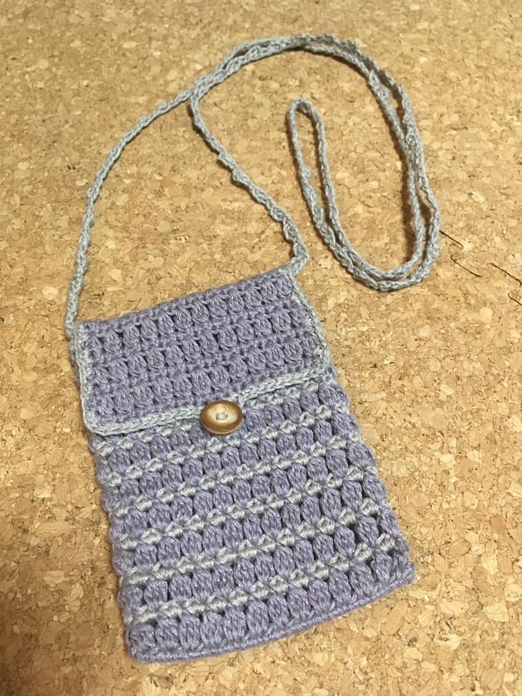 かぎ針編みのポシェット