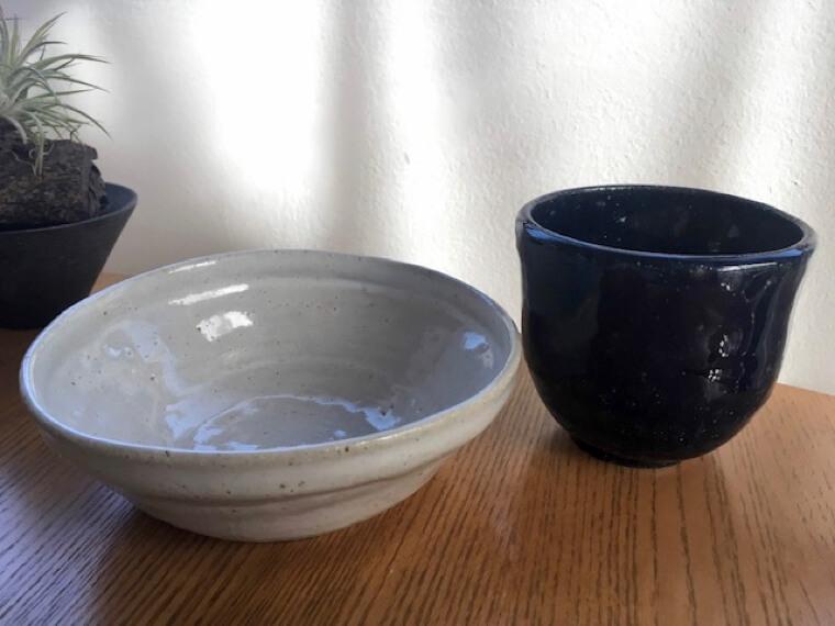 陶芸教室で作った小鉢と湯のみ
