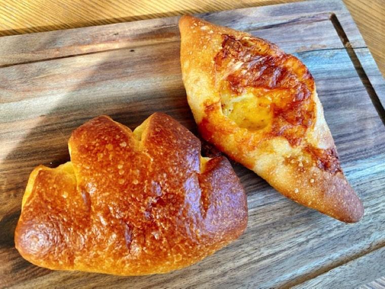 チーズフランスとクリームパン