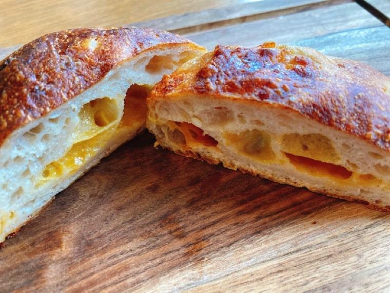 ジャガイモとチーズのパン